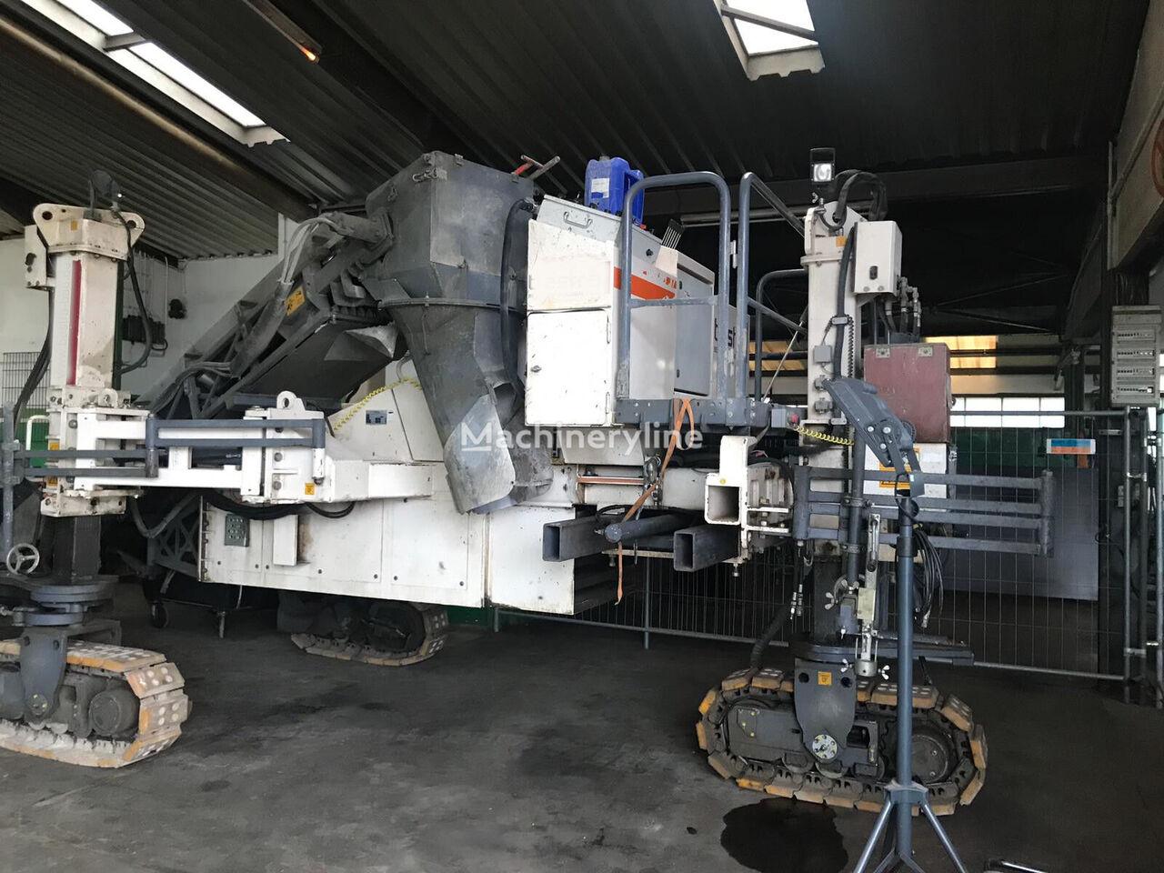 WIRTGEN SP150 + Curb & Gutter mold + hydraulic vibrator Gleitschalungsfertiger